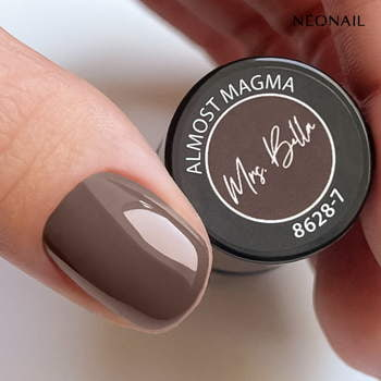 Lakier hybrydowy 7,2 ml - Almost Magma - NEONAIL x Mrs Bella