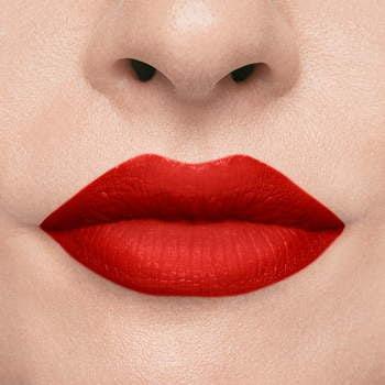 16 Pomadka matowa w płynie Matte Effect Lipstick Tulip
