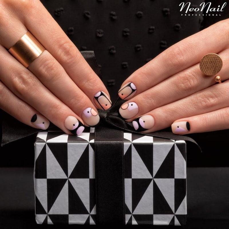 Artystyczny manicure