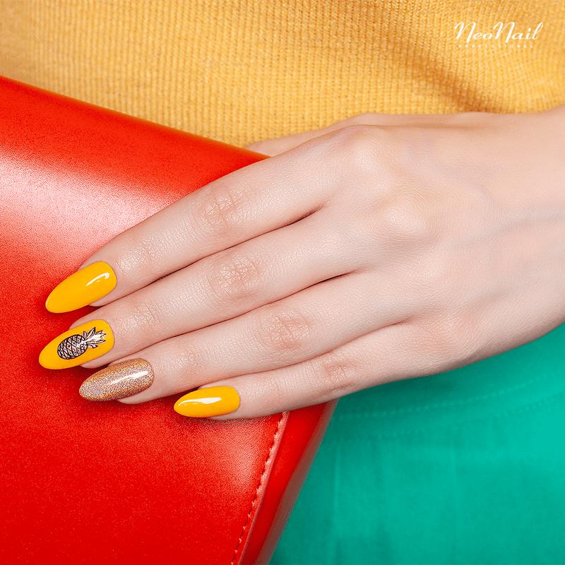 Shining pineapple