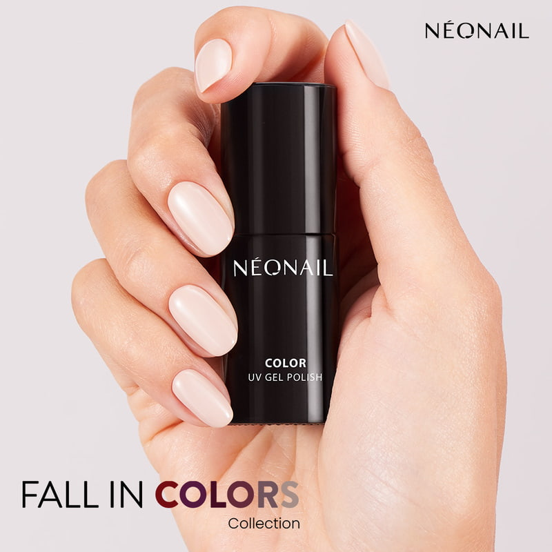Nude manicure na jesień