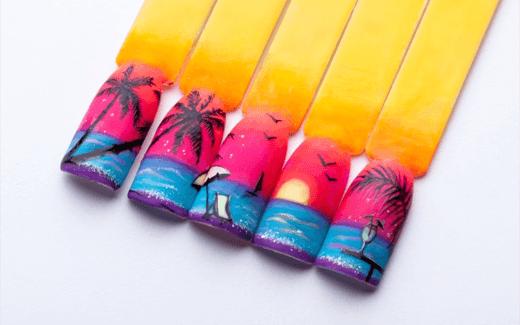 Wakacyjna stylizacja paznokci - zdobienie z motywem palm