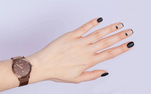 Jakie paznokcie hybrydowe zmalować do pracy?