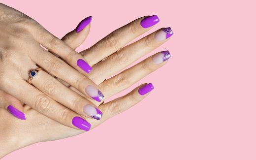 Co kupić, aby ułatwić sobie malowanie paznokci?