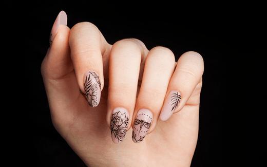 Paznokcie akrylowe czy paznokcie żelowe - co wybrać?
