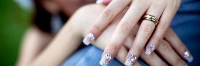 Stylizacja paznokci na ślub