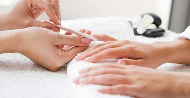 Rodzaje manicure - zalety i prawidłowe wykonanie (część 1)