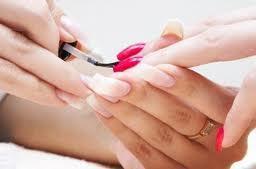 Jak długo możemy się cieszyć z przedłużonych paznokci ?